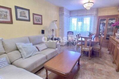 Piso de 4 habitaciones y 2 baños en Almería Capital